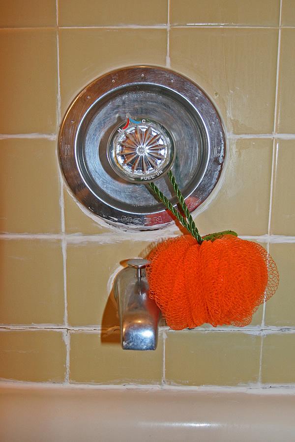 Bathroom Tile Quick Fix : Diy bathroom remodeling tips guide help do it yourself