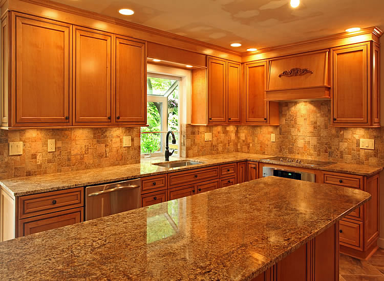 Maple Kitchen Cabinets Backsplash