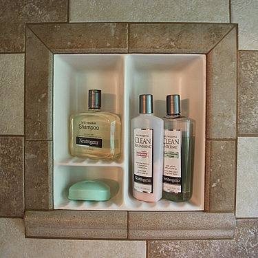 Pictured Framed Recessed Shampoo5