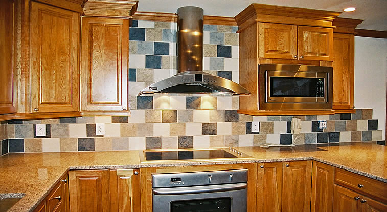 Tile backsplash random pattern