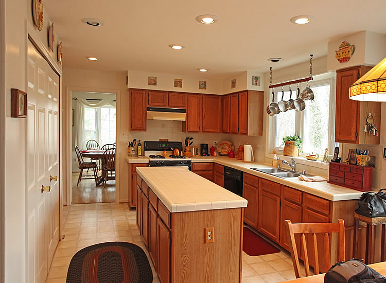 This Kitchen Remodels Before And After Image From Remodeling Kitchen