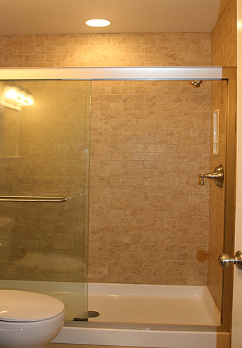 Bathroom remodeling fairfax burke manassas va pictures for Small bathroom designs with shower and tub