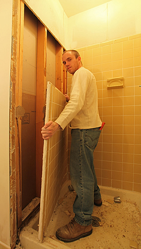 diy bathroom remodeling tips guide help do it yourself 24049